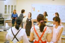 $奈良の英会話スクールでレッスンや子供の英語教室なら HAYA English Academy (ハヤ イングリッシュ アカデミー)のブログ-会場はいろんなことが同時に起っています