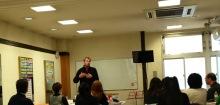 $奈良の英会話スクールでレッスンや子供の英語教室なら HAYA English Academy (ハヤ イングリッシュ アカデミー)のブログ-キム、またまた熱弁中…