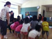$王寺・柏原の英会話教室 レッスン 子供の英語教室なら HAYA English Academy (ハヤ イングリッシュ アカデミー)のブログ-4才 knees!